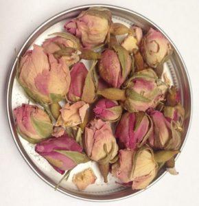 Perische roos als garnituur
