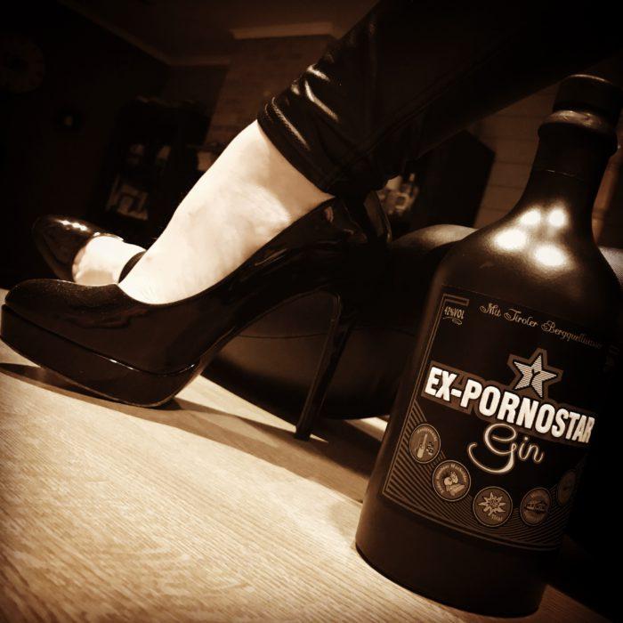 Ex-Pornstar Gin